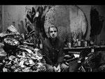 Francis Bacon in zijn atelier