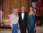 left to right: Antje Kessler, Kinesiologie Instructor, Dr.med.W.D.Kessler, Karin van Huelsen, HP