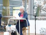 Sissy Mairinger liest am Sonntag obligatorisch aus ihren Gedichtband
