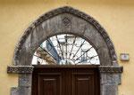 Sulmona, portale