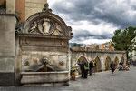 Sulmona, fontana del Vecchio e l'acquedotto medioevale