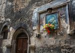 Sulmona, edicola in via Quatrario