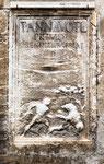 Sulmona, bassorilievo con scena di caccia, palazzo Tabassi
