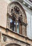 Sulmona, bifora, palazzo Tabassi