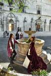 Sulmona, fontana e palazzo dell'Annunziata