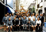 昭和57年 東三筋町会会館前 神輿修復