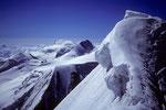 Allalinhorn 4027 m, Rimpfischhorn 4199 und Gipfelwächte vom Täschhorn