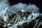 Gipfel ohne Namen zwischen Annapurna III 7555 m und Gandarba Chuli 6248 m - Tele -