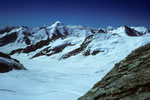 Aletschhorn 4195 m mit Weisshorn 4505 m in der Ferne