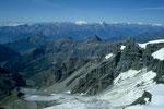 Blick nach Süden bis Monte Viso  3841 m und Gran Paradiso  4061 m