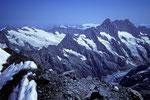 Schreckhorn 4078 m und Lauteraarhorn 4042 m vom  Gipfel