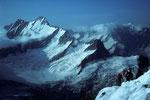 Lauteraarhorn 4042 m  mit Schreckhorn 4078 m