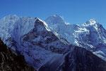 Makalu 8485 m und Num Ri 6677 m