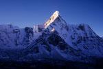 Ama Dablam 6856 m Gipfel im Licht