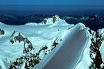 Aiguille du Midi 3800m von der Pointe  Walker 4208m - Tele -