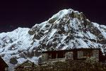Annapurna I 8091 m - Südwand - mit Annapurna Base Camp