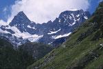 Obergabelhorn 4063 m und Wellenkuppe 3903 m.