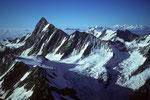 Finsteraarhorn 4274 m mit Walliser  4000er in der Ferne