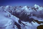 Tiefblick ins Mattertal mit Dom Festigrat und Weisshorn 4505 m