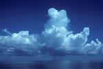 Wolken und Meer während der Tauchfahrt.
