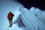 Firngrat zum  Gipfel mit Wächten