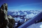 Blick vom Gipfel Pointe Burnaby 4135 m zu den Berner Alpen