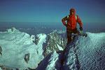 Gipfel Pointe Whymper  4184m und Aiguille du Midi 3800m im Hintergrund