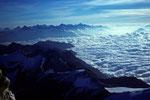 Wolkenmeer und Berner Alpen