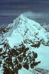 Teleaufnahme: Dent Blanche 4356 m im Winterkleid.