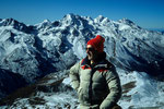 Yala Peak auf dem Gipfel mit Naya Kanga 5846 m im Hintergrund
