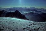 Grandes Jorasses 4208m  mit  Walliser Berge in der Ferne