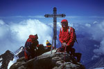 Dankgebet am Gipfelkreuz des Nadelhorns   4327 m