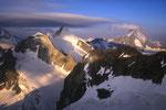 Wellenkuppe 3903 m, Obergabelhorn 4063 m und Dent Blanche 4357 m.