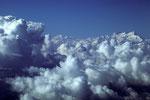 Nepals Wolken haben  Berge