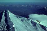 Gipfelgrat mit Tiefblick