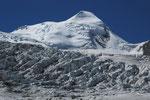 Castor und Grenzgletscher Teleaufnahme vom Weg zur Monte Rosa-Hütte