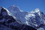 Makalu 8485 m und Num Ri 6677 m - Tele -