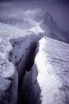 Randkluft, im Hintergrund Eiger 3970 m