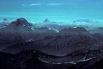 Blick von der Pointe Walker 4208m zum Matterhorn und Monte Rosa in der Ferne