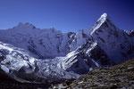 P 6430 m (Pema Dablam ) und Ama Dablam 6856 m