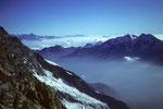 In der Ferne Berner Alpen und rechts Fletschhorn 3985 m und Lagginhorn 4010 m