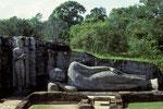 Polonnaruwa  - Gal Vihara ruhender Buddha 14 m lang -