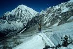 Auf dem Gipfelgrat mit Langtang Lirung 7234 m