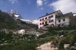 Berggasthaus Trift 2337 m.