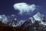 Gipfel ohne Namen zwischen Annapurna III 7555 m und Gandarba Chuli 6248 m