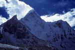 """Ama Dablam 6856 m das """"Matterhorn"""" Nepals"""