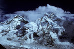 Everest Westschulter 7205 m, Mount Everest 8848 m in Wolken und Nuptse 7879 m