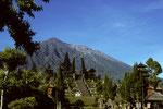 Muttertempel Pura Besakih mit Gunung Agung  3142m