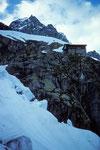Rifugio Boccalatte  e Mario Piolti 2803 m ( Jorasses Hütte )