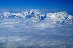 Berge in Nepals Wolken!  Manaslu 8163m, Ngadi Chuli 7871m, Himal Chuli 7893m